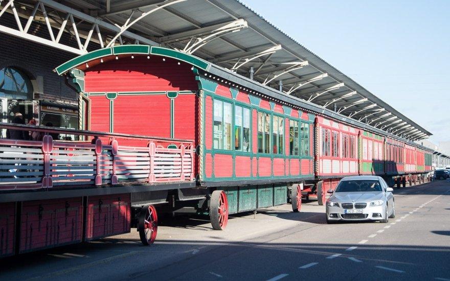 Prekybos traukinys Kauno Urmo prekybos miestelyje